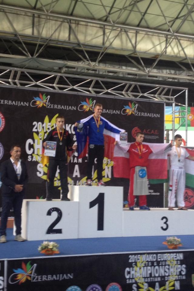 Luca-Lysander Weber vom Shotokan Club ist Vize-Europameister im Kickboxen 2015